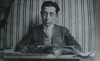 http://upload.wikimedia.org/wikipedia/commons/0/05/Robert_Desnos.jpg